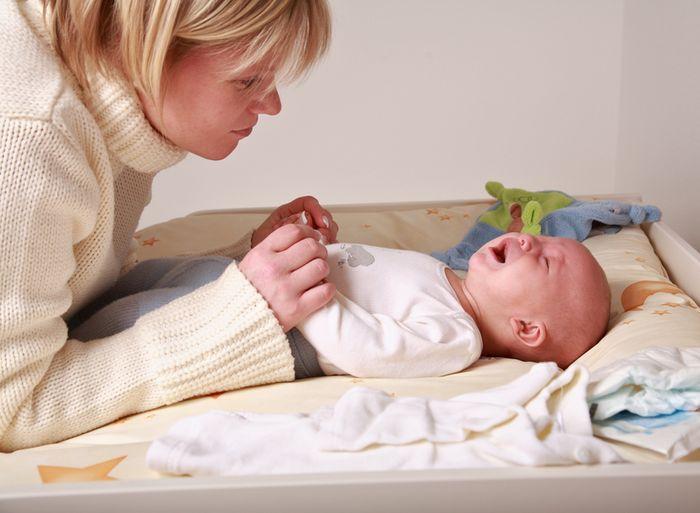 Запор у грудничка вызывает беспокойство и плач