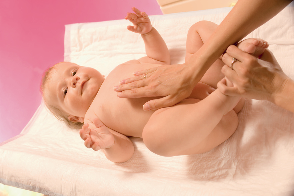 Очистительная клизма при запорах для новорожденных