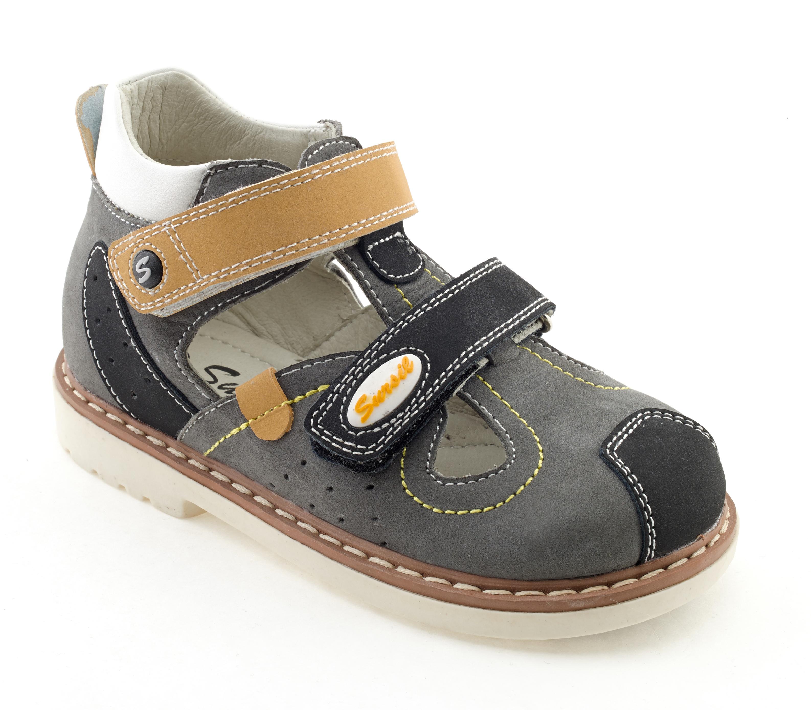 Ортопедические сандалии должны иметь гибкую широкую подошву и каблук