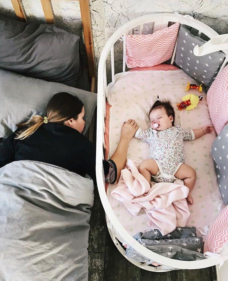 Дневной сон дома в кроватке