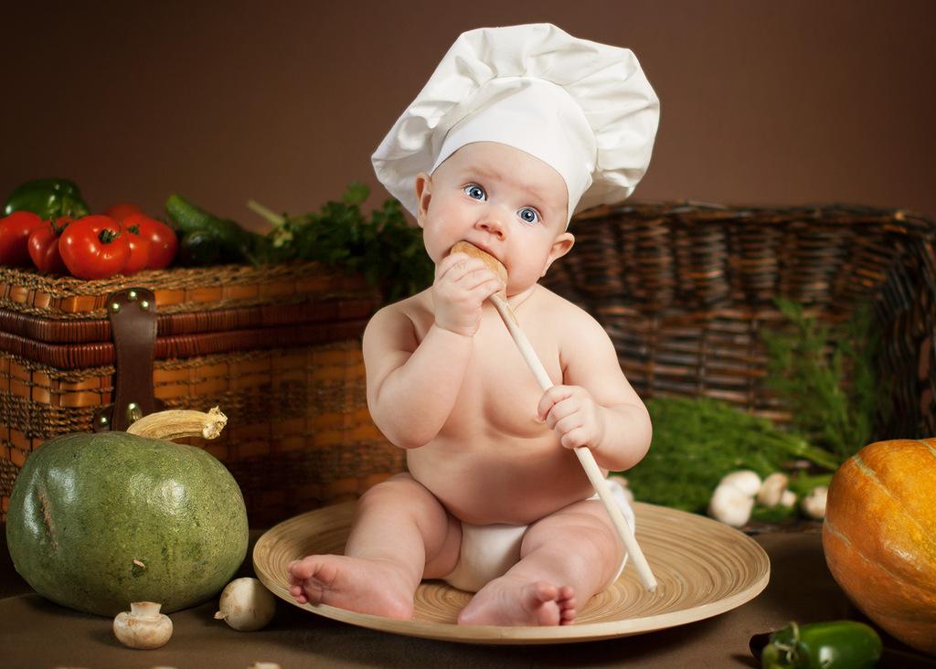 Малыш поваренок