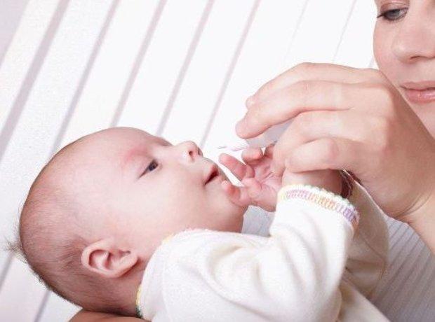 Во время болезни очень важно, чтобы возле малыша постоянно находилась его мать
