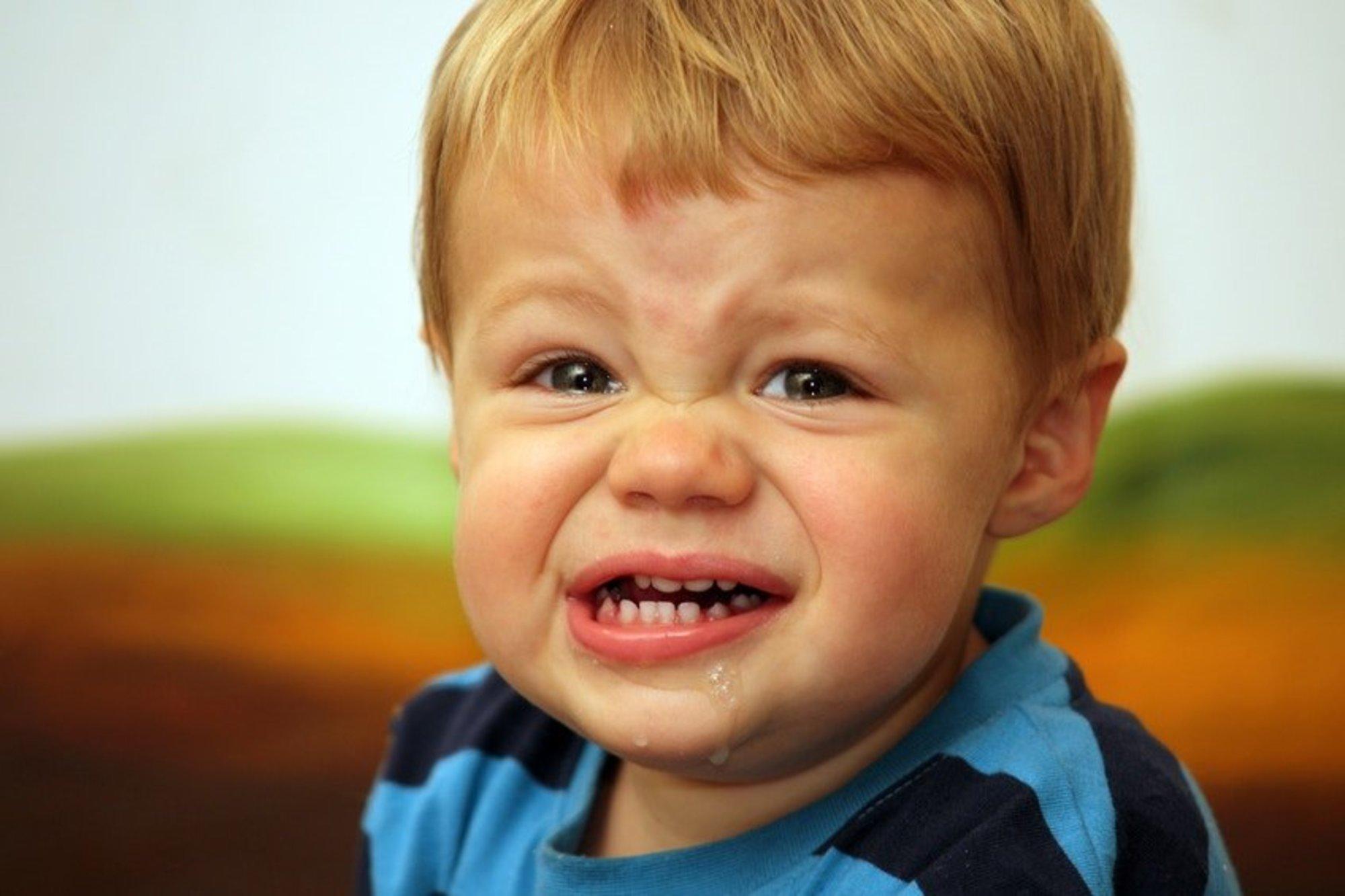 Мальчик в полосатой рубашке