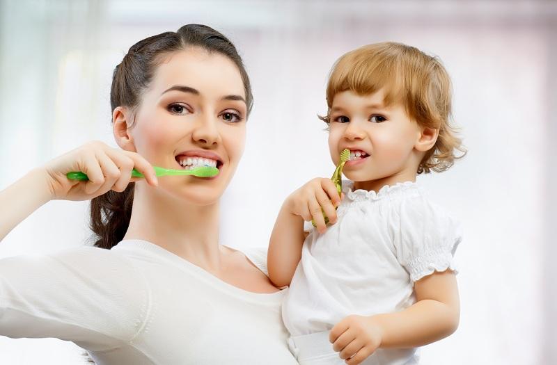 Совместная гигиена полости рта