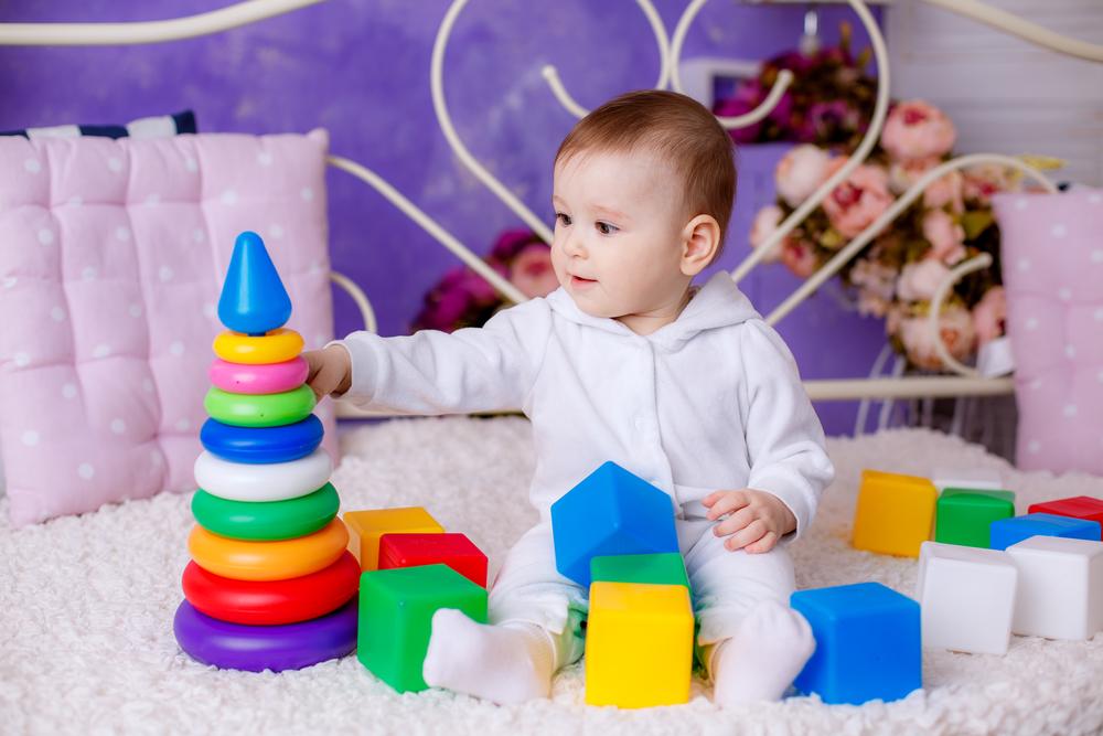 Игра с пирамидкой