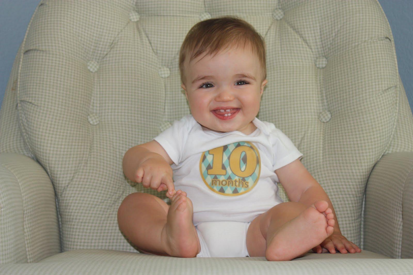 Малыш в 10 месяцев