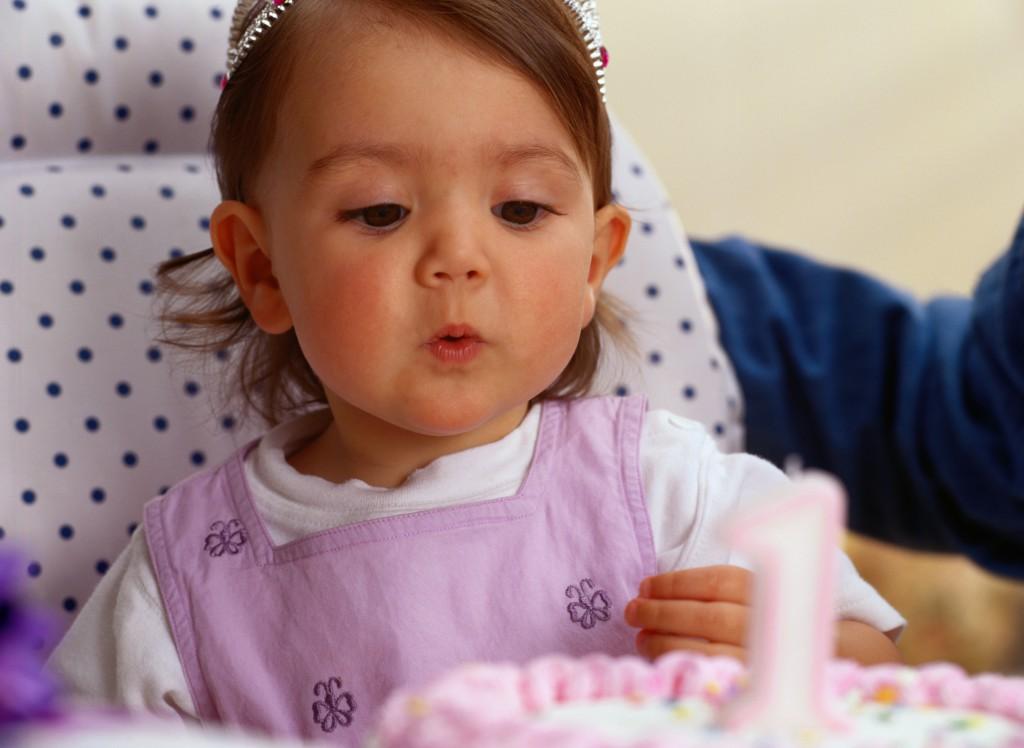 Развитие новорожденного по неделям после рождения: первый год жизни малыша