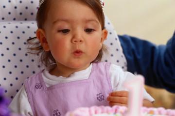 За первый год малыш проходит большой путь развития