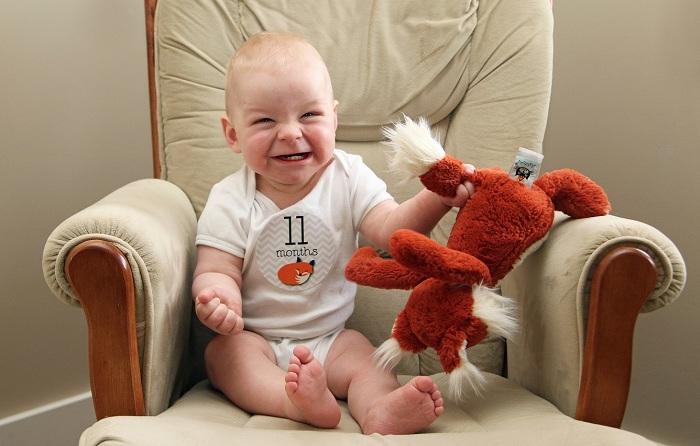 У большинства детей в 11 месяцев уже есть четыре зуба – два нижних и два верхних