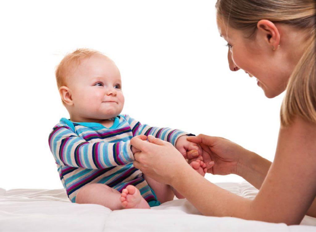 Как правильно учить ребенка садиться