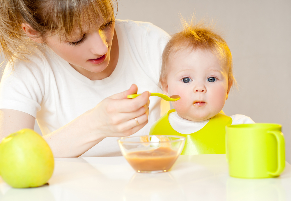 После рвоты ребенка не нужно насильно кормить