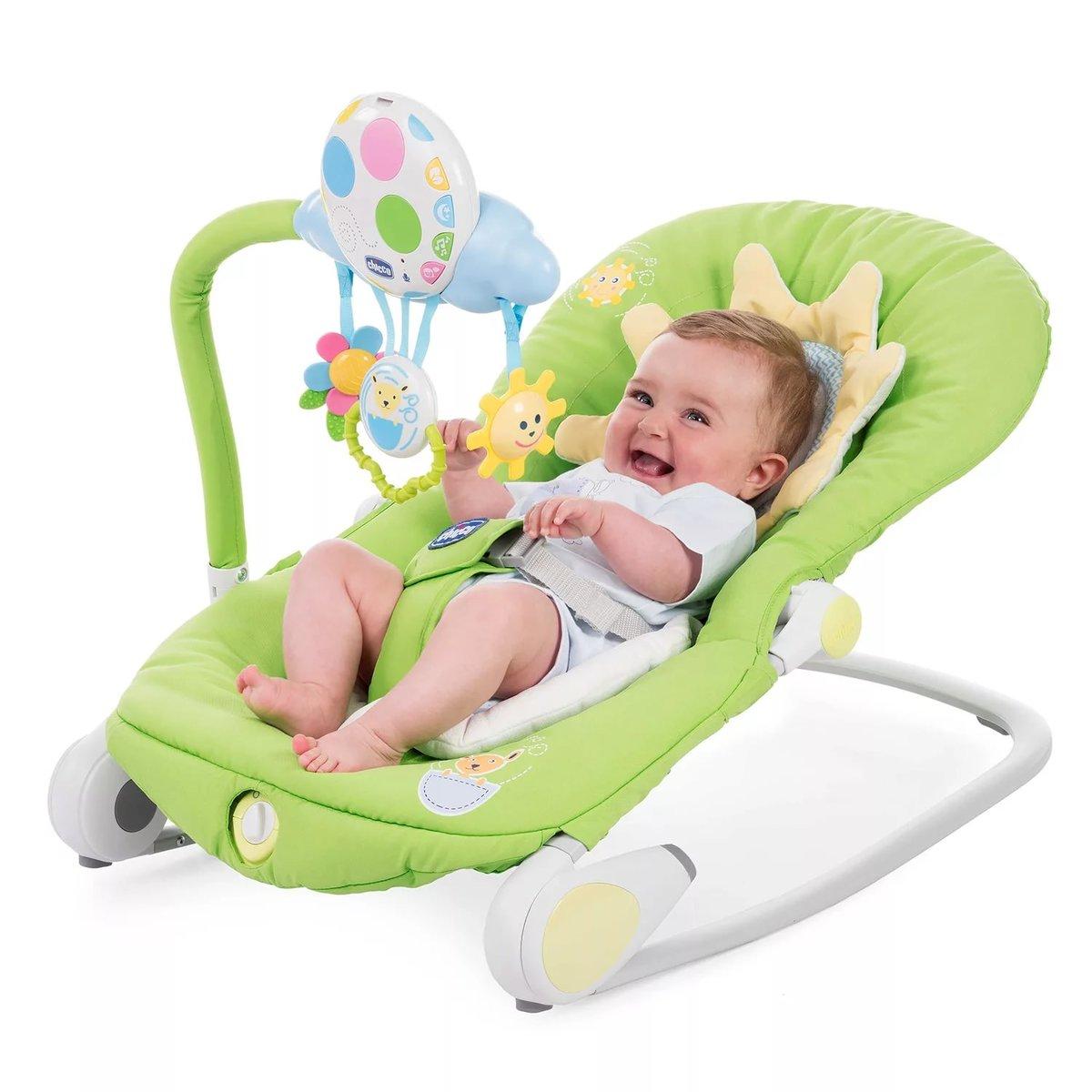В шезлонге новорожденный быстро засыпает