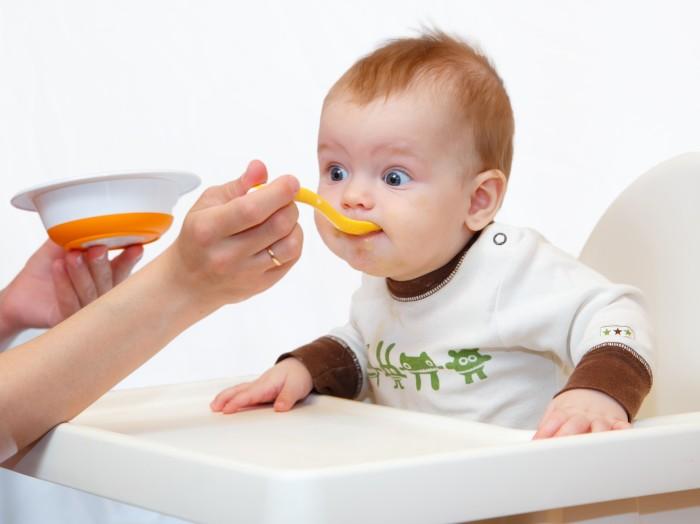 Ребенок должен быть физически и психически готов к введению прикорма