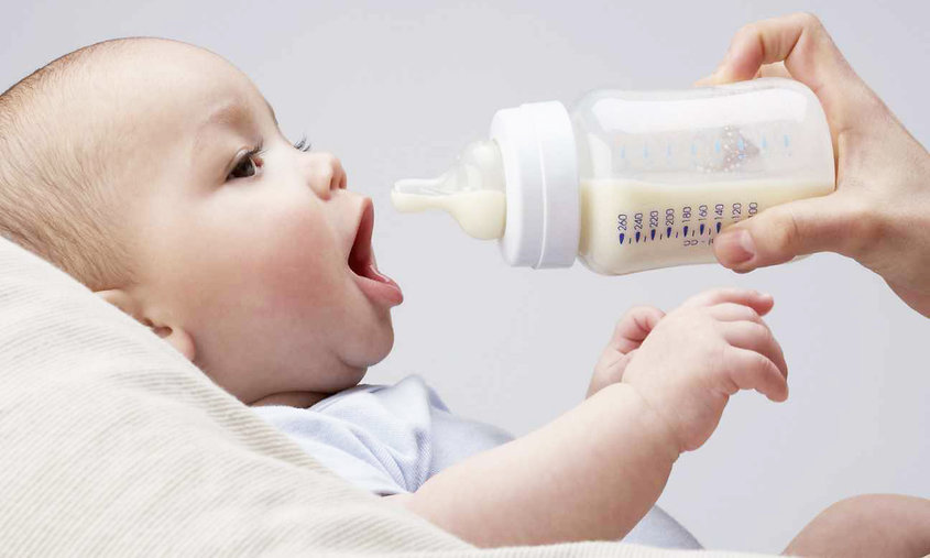 Детское питание подбирают согласно возрасту крохи