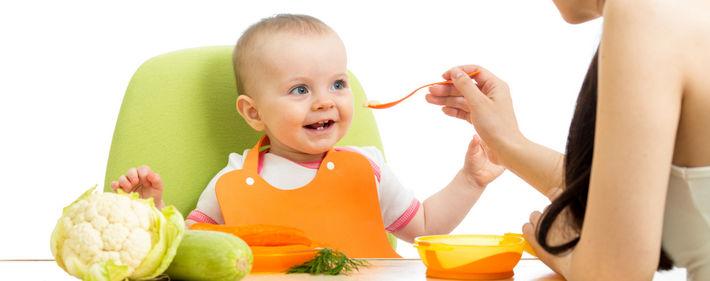 Соки и пюре из овощей являются отличным вариантом для полугодовалого ребёнка
