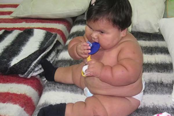 Избыточный вес ребенка в 10 месяцев может привести к ожирению