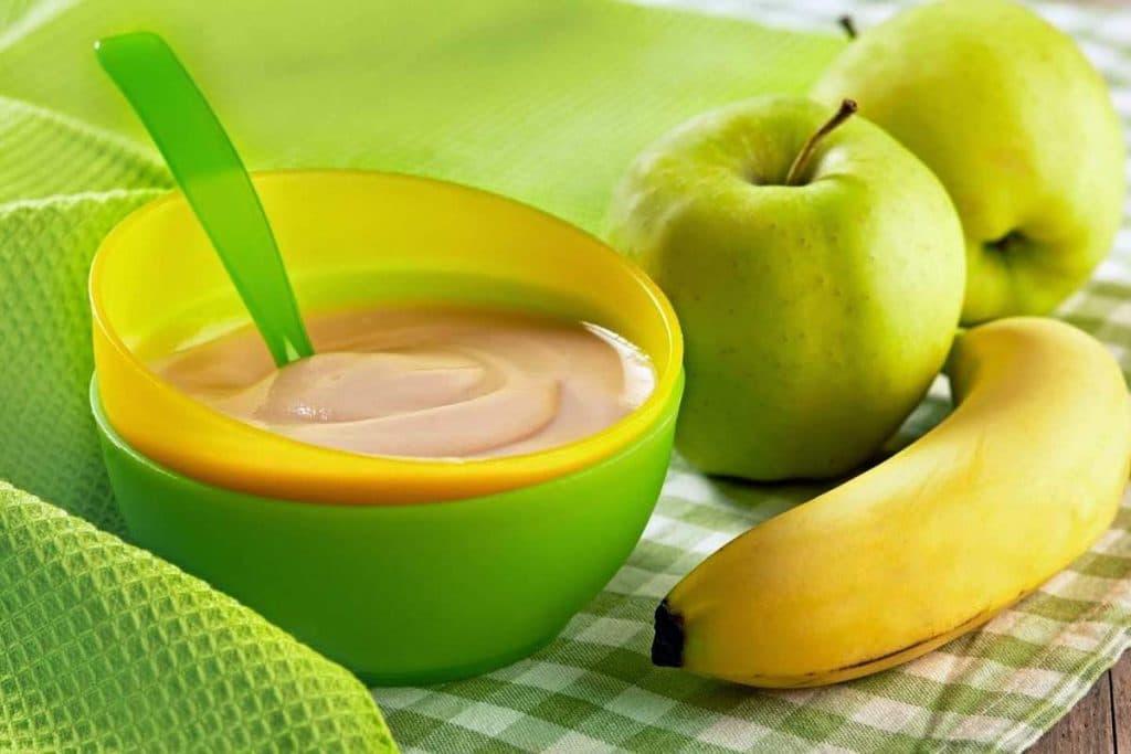 Фрукты, овощи, нежирные молочные продукты и полезные каши – это то, что должно присутствовать в рационе чада ежедневно