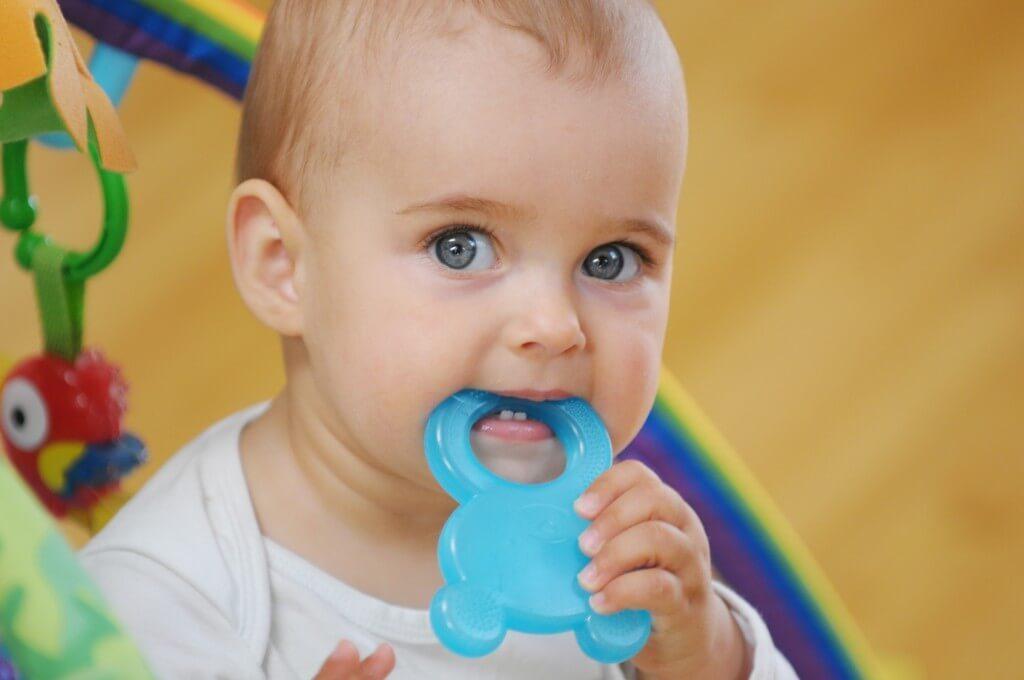 Прорезыватели для зубов облегчают болевые ощущения у грудничков