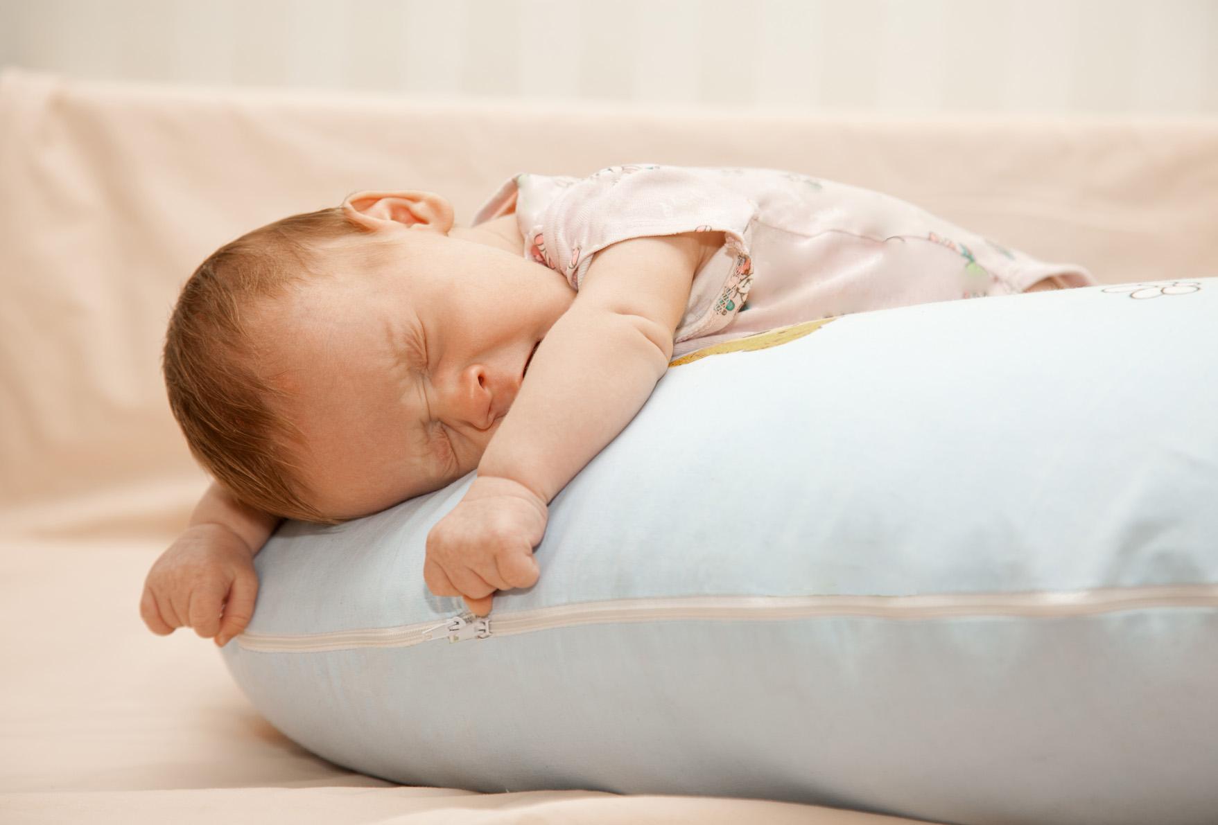 Ночной отдых в 5 месяцев должен быть полноценным, так как является самым важным