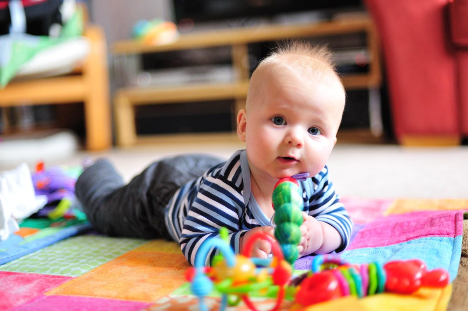 Наличие специальных игрушек способствует развитию