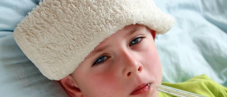 Помощь ребенку при высокой температуре