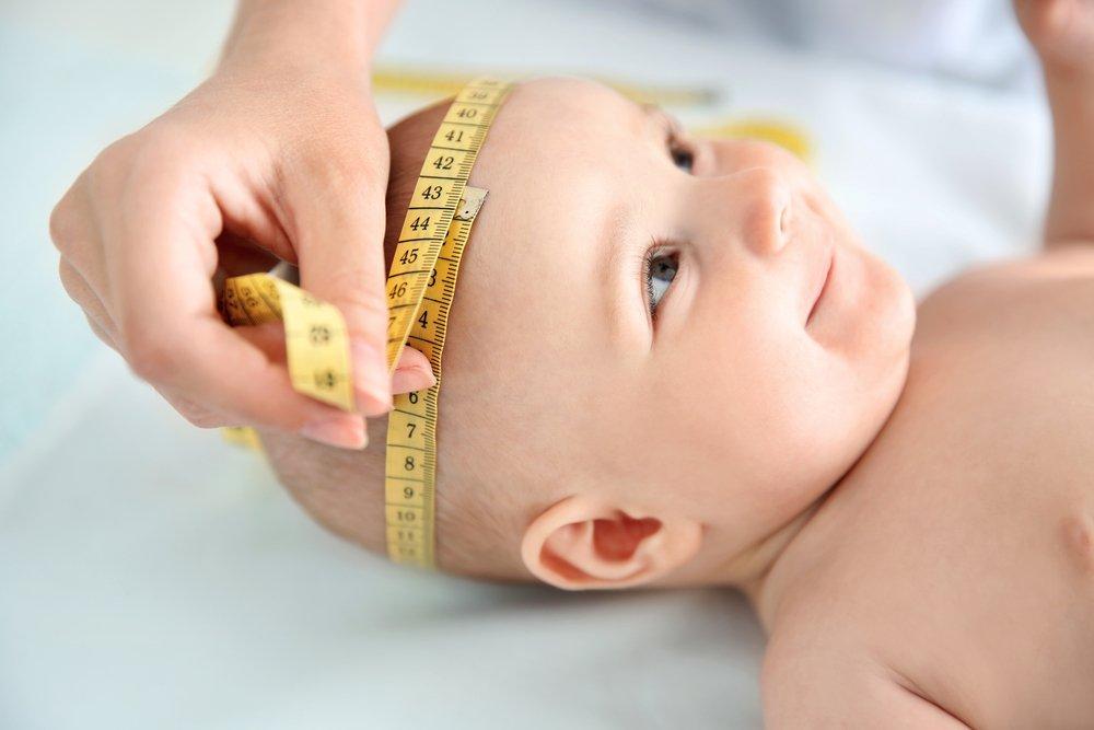 Размер головы маленького ребенка нужно определять каждый месяц