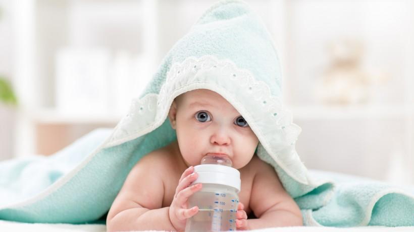 Нуждается ли малыш в воде?