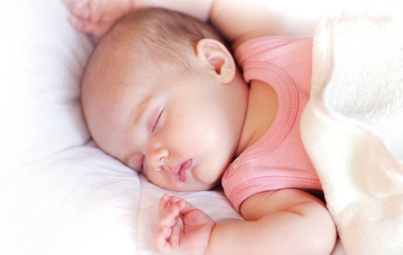 Для нормального роста и развития младенца его сон должен быть полноценным
