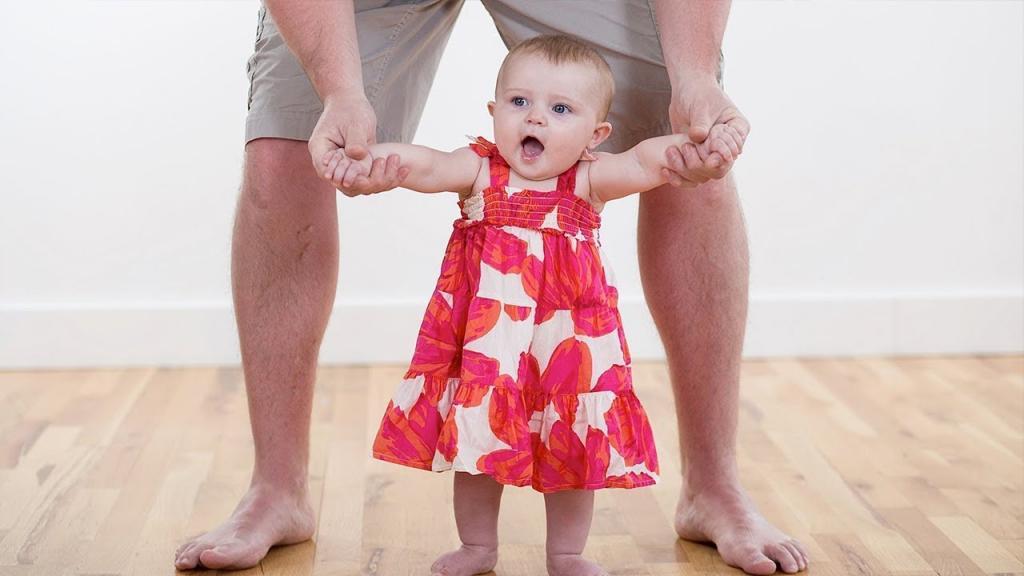 Первые шаги малыша