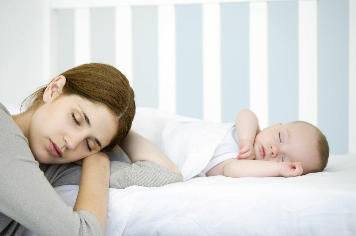 Бессонные ночи крайне тяжелы для мамы