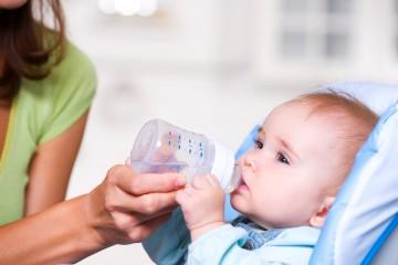 Во время лихорадки ребенок нуждается в обильном питье