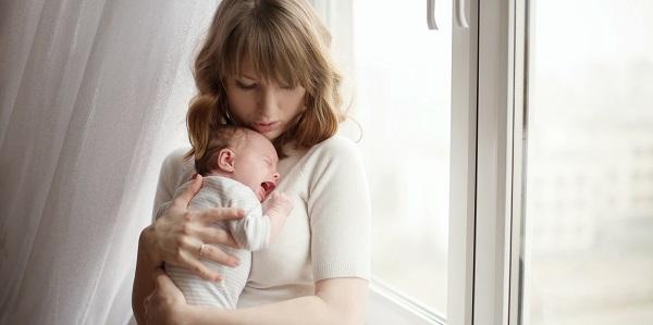Когда мамы нет рядом, малыш может долго плакать