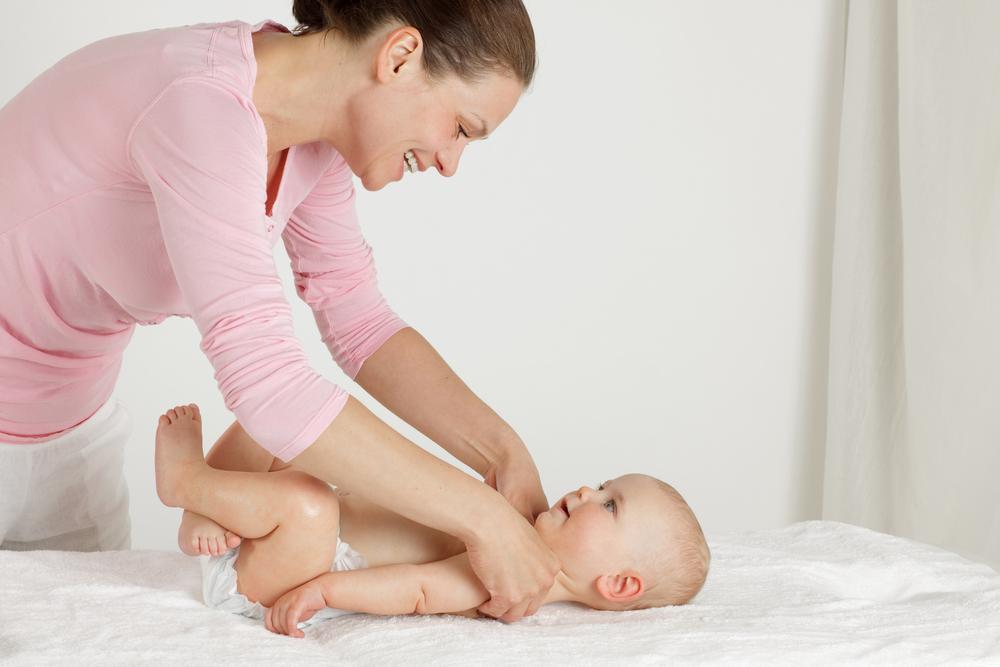 При проведении зарядки с ребенком нужно разговаривать