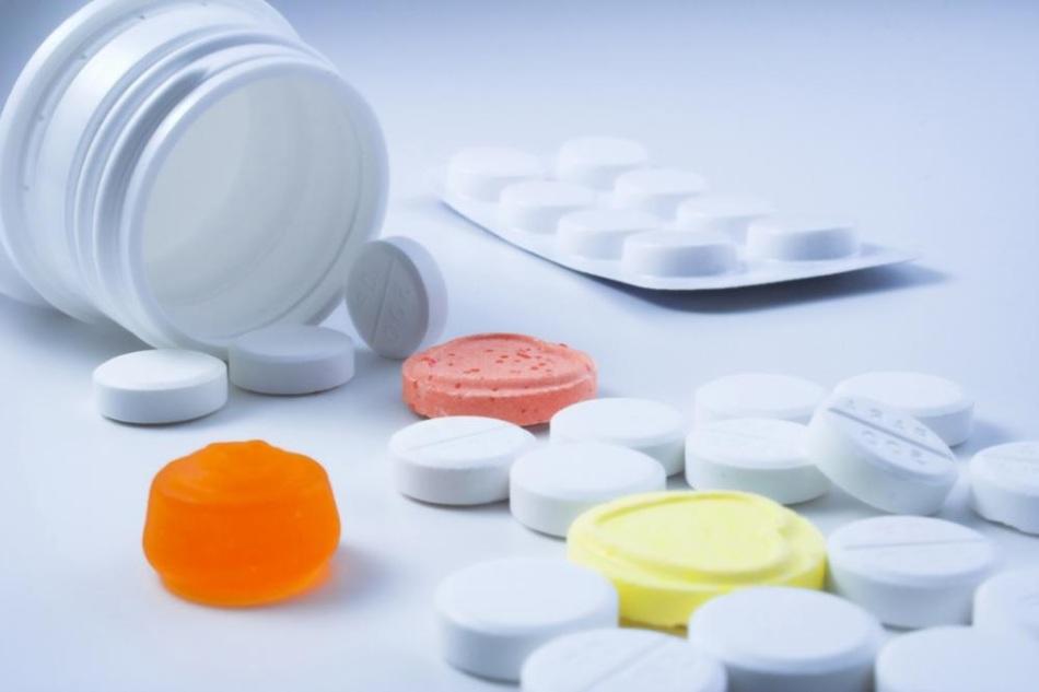 Прием таблеток может причинить вред здоровью матери