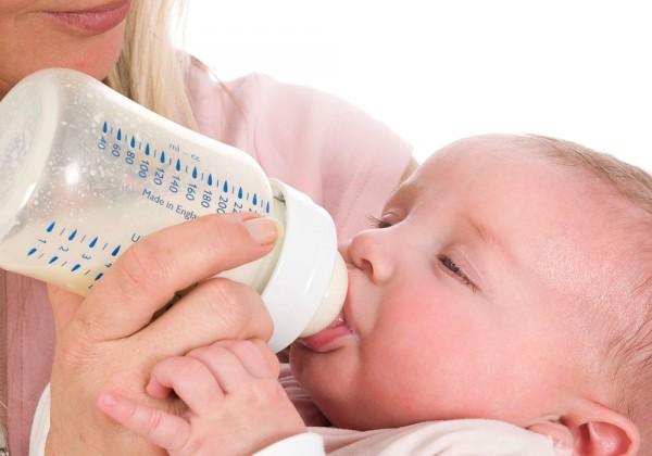 Для обеспечения ребенка необходимыми веществами надо определить оптимальный объем смеси