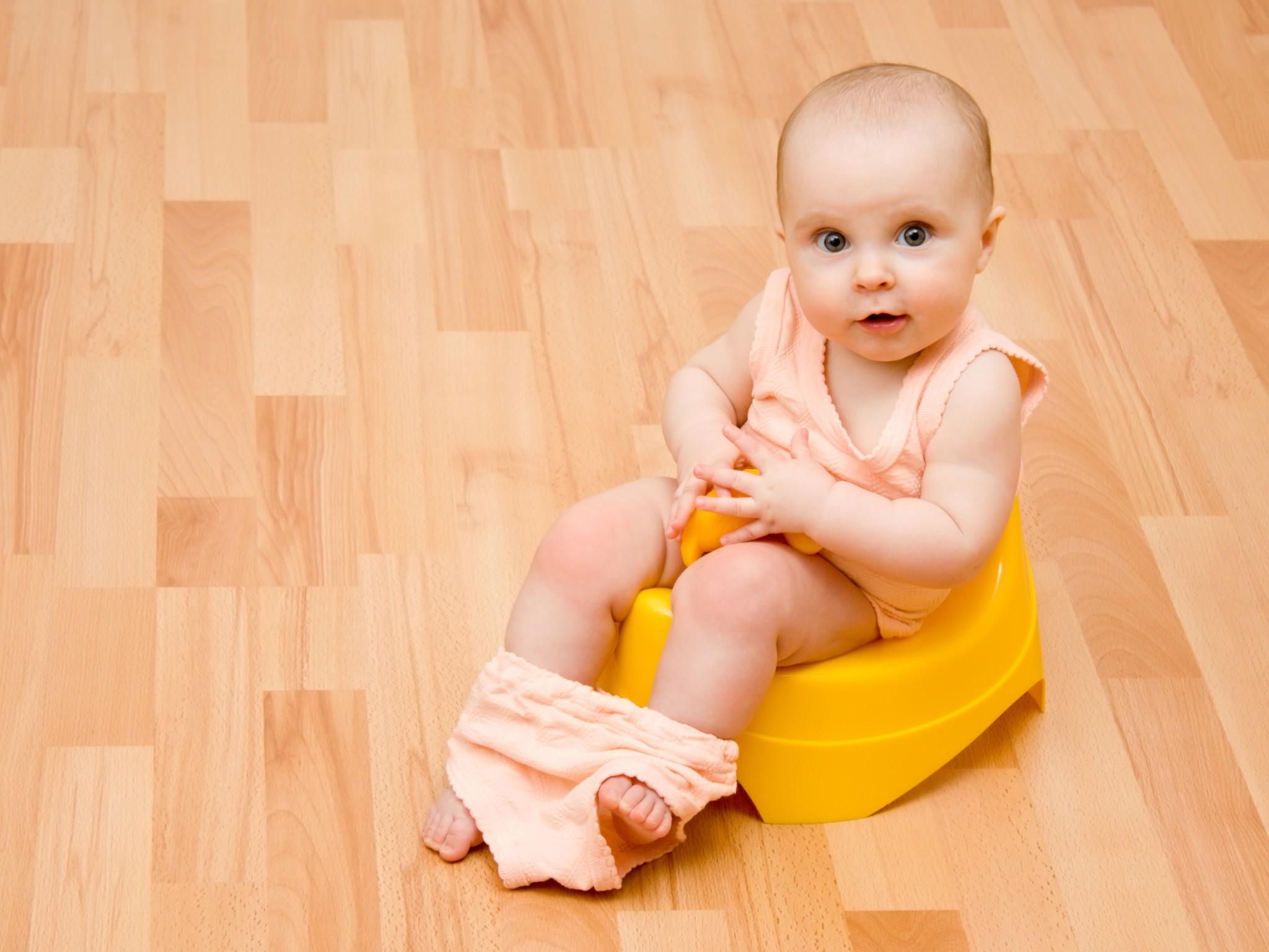 Проблемы со стулом у малыша нередко становятся причиной беспокойства родителей