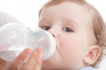 Допаивание грудничка жидкостью