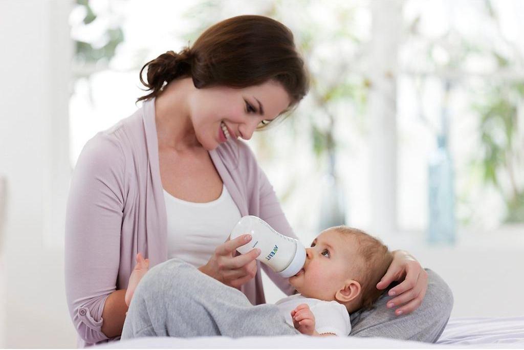 Малыши, которые находятся на ГВ, чаще имеет недостаток веса, по сравнению с искусственниками