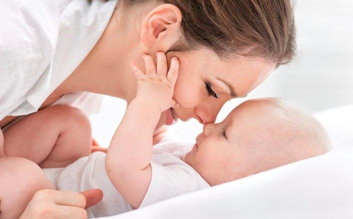 Ребенок ощущает материнскую любовь