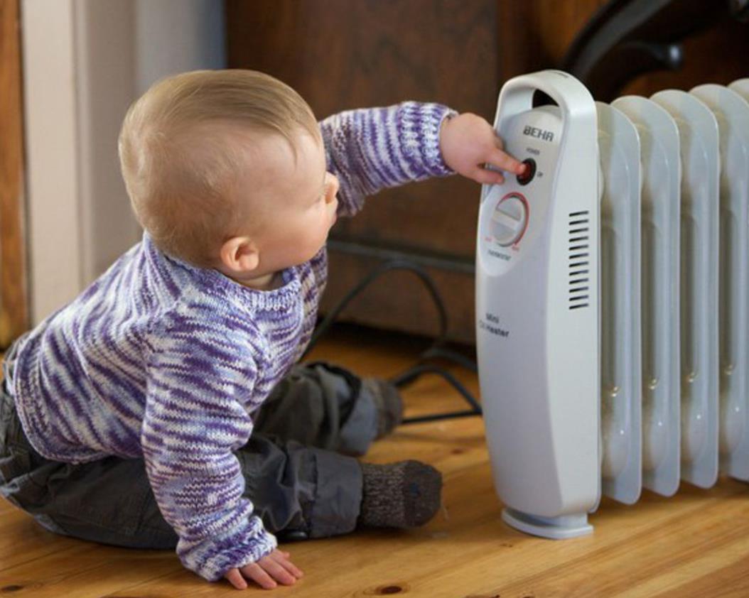 Для создания теплого климата в комнате применяют обогреватель