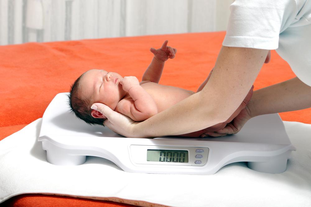 Новорожденным детям свойственна физиологическая потеря веса