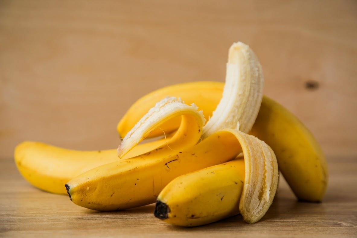 Свежий банан