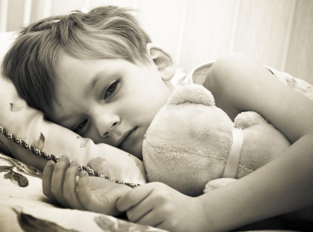 Мальчик в черно-белом цвете