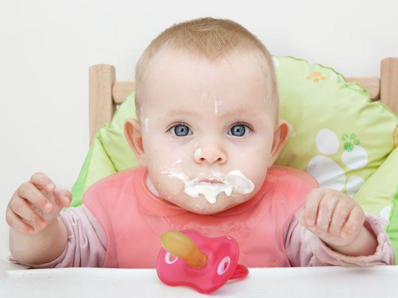 Ребенок после кормления