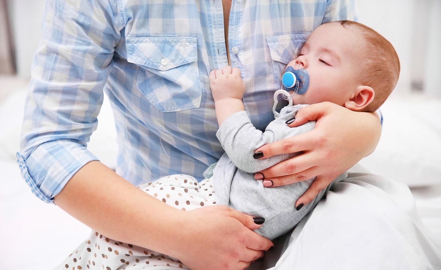При укладывании ребенка спать важно подобрать правильные ритуалы