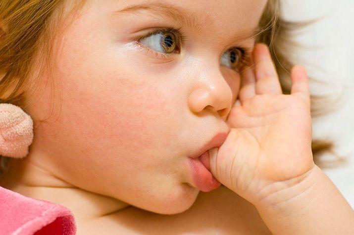 Соска-пустышка поможет маме успокоить ребенка и исключить отрицательные привычки