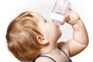 Пить можно не только из емкостей для грудничков