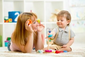 Для годовалого ребенка основой развития становится игровая деятельность