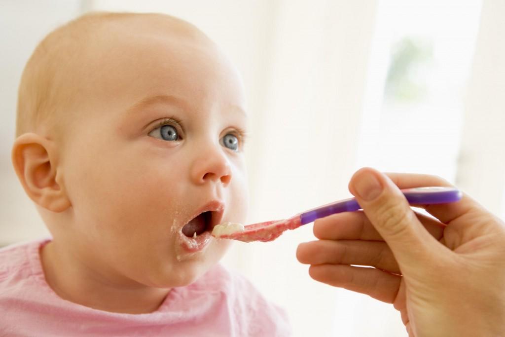 Для поддержания сил ребенка во время ОРВИ необходимо ввести диету