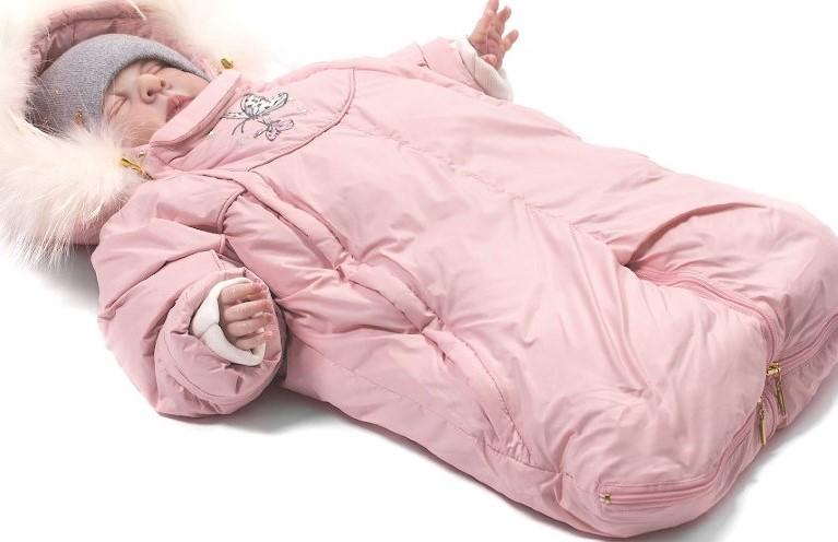 Идеальной одеждой для прогулок зимой является комбинезон-трансформер